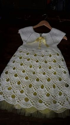 fast and easy baby dress New Fashion Dress 2018 In India Crochet Skirt Guard Pattern Free. This Pin was discovered by Sha Does anyone know where to find this pattern The length of the dress is 36 cm, the girth of the chest is cm. Crochet Dress Girl, Crochet Baby Dress Pattern, Baby Girl Dress Patterns, Crochet Baby Clothes, Crochet Girls, Crochet For Kids, Diy Crochet, Baby Patterns, Lidia Crochet Tricot