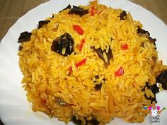 Palm oil Rice with erobelebele nti (Black fungus)*wink* West African Food, Family Meals, Family Recipes, Nigerian Food, Home Food, Food Blogs, I Love Food, Food For Thought, Asian Recipes