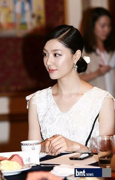 Seo Ji Hye, Korean Actresses, Korean Beauty, Beautiful Actresses, Glamour, Female, Wedding Dresses, Gallery, Lace