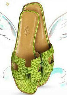 Hermes Slides, perfect for Summer! Hermes Oran Sandals, Hermes Shoes, Zapatos Shoes, Shoes Sandals, Flat Sandals, Green Sandals, Flat Shoes, Cute Shoes, Me Too Shoes
