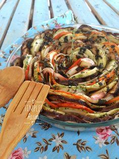 """Esses legumes em espiral são simples de fazer e tem um visual muito bonito. Além de ficarem deliciosos. Um opção saudável para nossa """"Quinta sem glúten"""". Antes de explicar direitinho a receita de hoje vou responder a dúvida de um leitor que..."""
