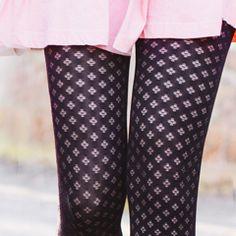 Gambettes Box J'adore celui la ! J'aurai tellement voulu l'avoir :) #collants #tights #gambettebox