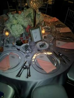 Guest table at the reception