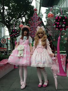 haruzzz:  Angelic pretty  I love this memorial cake outfit ;V; But both of these outfits are soooo cute ;v; <3<3<3<3