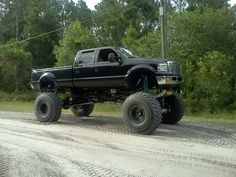 thats a big Ford! Love!