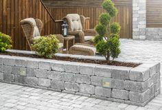 Precious Tips for Outdoor Gardens - Modern Garden Arbor, Garden Pool, Garden Paths, Patio Accessories, Outdoor Spaces, Outdoor Decor, Building A Deck, Garden Inspiration, Outdoor Gardens