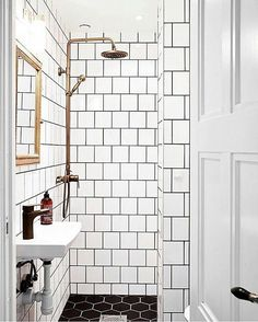 Making small spaces work! @connecticutkitchenbathcenter #glassshower #bathroom #bathroomdesign #modernbathroom #woodvanity #glass #tile #whitebathroom #homedesign #interiordesign #dreambathroom #bathroomideas #interior #interiordesigner #bathroomdecor #bathroomideas #bathroomidea #bathroomfloors #bathroomgoals #tanshower #tile #blackandwhite #gold #rainshower #rainshowers #masterbath #mastershower #masterbathroom #tinyhouse #blackbathroom #goldfixtures