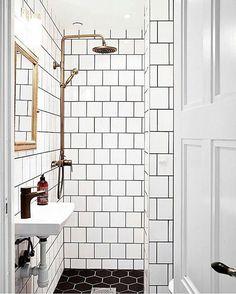 Making small spaces work! @connecticutkitchenbathcenter #glassshower #bathroom #bathroomdesign #modernbathroom #woodvanity #glass #tile #whitebathroom #homedesign #interiordesign #dreambathroom #bathroomideas #interior #interiordesigner #bathroomdecor #bathroomideas #bathroomidea #bathroomfloors #bathroomgoals #tanshower #tile #blackandwhite #gold #rainshower #rainshowers #masterbath #mastershower #masterbathroom #tinyhouse #blackbathroom #goldfixtures
