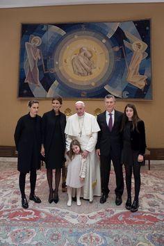 Francisco con la familia del Presidente argentino