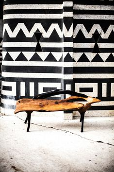 Afrocentric Style Decor - Design centered on African Influenced Elements - Babacar's bench shot in Dakar Styling CathyO'Clery Photo David Crookes African Interior, African Home Decor, Unique Furniture, Furniture Design, Furniture Buyers, Steel Furniture, Cheap Furniture, Kitchen Furniture, Bedroom Furniture