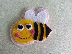 DIY Cute Bee Brooch With Felt Fabric