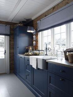 stylish scandinavian cottage design,log cabin design in Norway Mehr Log Cabin Kitchens, Home Kitchens, Scandinavian Cottage, Scandinavian Style, Log Cabin Designs, Blue Cabinets, Kitchen Cabinets, Cottage Interiors, Log Cabin Interiors