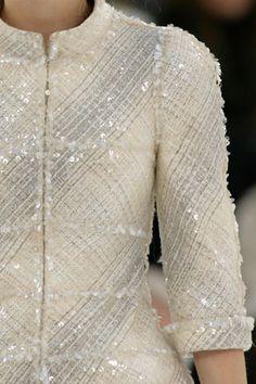 Barbie non sposa Ken: la Giacca Chanel