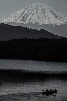 Mt. Fuji and Lake Shoji, Japan 富士山と精進湖