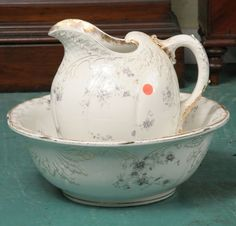 Porcelain pitcher and bowl set, Warwick china, 15d bowl, 12t pitcher, with lavender floral decorations