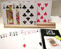 Großer Spielkartenhalter aus Holz mit Vorführ-Spielkarten XL, schwarze Packung