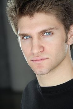 Yes, yes, DOUBLE yes!! Keegan Allen