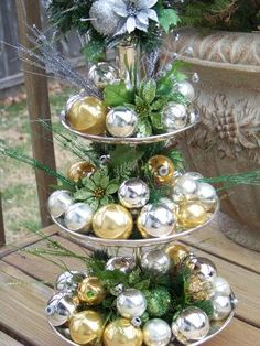 Centerpiece for the holidays by cara Christmas Projects, Christmas Home, Christmas Holidays, Christmas Things, Christmas Trees, Holiday Centerpieces, Xmas Decorations, Christmas Crackers, Glass Christmas Ornaments