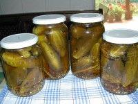 Csemegeuborka - Kész, üvegekben Pickles, Cucumber, Food, Essen, Meals, Pickle, Yemek, Zucchini, Eten
