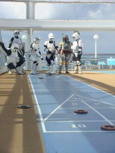 Looks like Fett's put on weight now that he's not hunting down Han. Is shuffleboard good exercise? :)