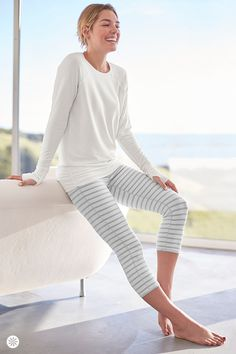 Our go-to capri for yoga and studio workouts, the Chaturanga comes in a high-rise fit with a flattering three-layer, streamlined waistband. Plus, it's made with our premium, high-performance fabrics that are wicking, breathable, and unbelievably soft. Pair with a white top for an elevated look.