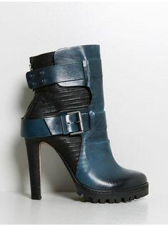 buckled overlay heel black/blue