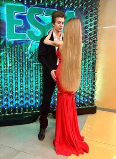 Long Blonde Curls, Curled Blonde Hair, Long Red Hair, Super Long Hair, Beautiful Long Hair, Gorgeous Hair, Gorgeous Women, Down Hairstyles, Girl Hairstyles
