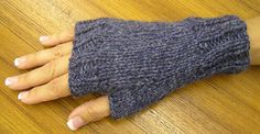 easy fingerless mitts.  free pattern.