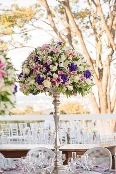 Arranjo alto para casamentos - Casamento Marla e Mike - Flores para Casamento - Wedding Flowers - Decoração de centro da Mesa - Wedding Decor