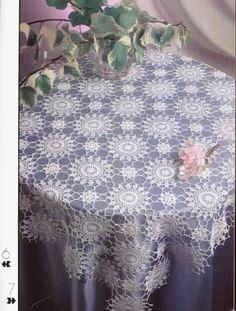 'Floral Vision' Table Topper - See free pattern
