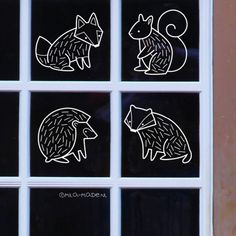 Did you know that these cute woodland critters are not only available as pins but also as window drawings? The new website of… Chalk Art Christmas, Chalk Art Quotes, Art Drawings, Window Drawings, Posca Art, Halloween Window, Sidewalk Chalk Art, Woodland Critters, Happy Birthday Jesus