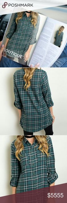 🌟Green plaid top 3/4 tab sleeve collared button down plaid shirt. Shirt has two feont pockets. Boyfriend fit and is meant to have a worn or distressed look. 🌟100%Cotton Full Tilt Tops Button Down Shirts