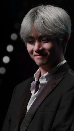 *blushes in gucci*😹😹💘💘 Jimin, Bts Bangtan Boy, Foto Bts, Bts Photo, Jung Hoseok, Daegu, Kim Taehyung, Namjoon, K Pop