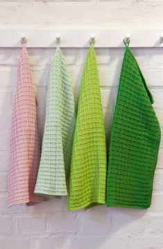Knitting Kits, Fair Isle Knitting, Hand Knitting, Knitting Patterns, Crochet Patterns, Repeat Crafter Me, Drops Design, Ravelry, Easy Face Masks