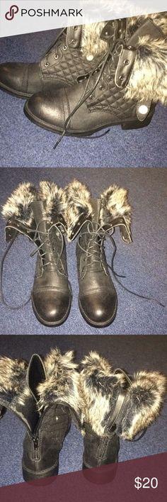Charlotte Russe boots NWT black, tie front, zipper back faux fur top. Super cute. Size 8 Charlotte Russe Shoes Lace Up Boots