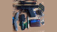 Everyday Carry Pocket Dump of the Day  Zak Koshio
