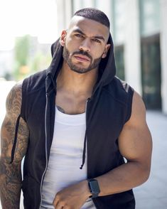 Dog Tag Necklace, Hot Guys, Active Wear, Sexy, How To Wear, Fashion, Moda, La Mode, Fasion