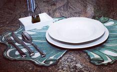 enjoy your meal Buon appetito a tutti! Enjoy Your Meal, Alessi, Lunch Box, Table Settings, Sweet Home, Oil, Meals, Green, House Beautiful