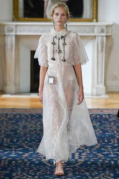 Runway | Valentino Paris Fashion Week Spring-Summer 2017