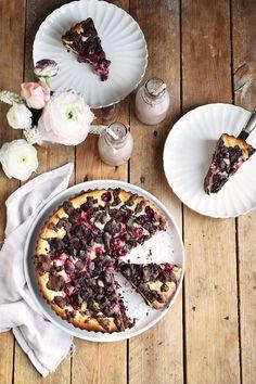 Schokostreusel Joghurt-Cheesecake mit Kirschen - Chocolate Crumble Yogurt Cheesecake | Das Knusperstübchen
