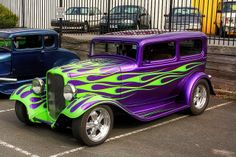 This one really stands out! Very cool flamed 32 Ford Tudor. Hot Rod Trucks, Big Trucks, Rat Rods, Classic Hot Rod, Classic Cars, Vintage Cars, Antique Cars, Motorcycle Paint Jobs, Cool Vans