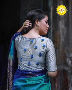 blouse designs Blouses designs with embroidery have always been in the trend. A designer Sayanti Ghosh creates exceptional and mind-blowing blouse designs with embroidery. Blouse Back Neck Designs, Hand Work Blouse Design, Simple Blouse Designs, Stylish Blouse Design, Pattu Saree Blouse Designs, Blouse Designs Silk, Bridal Blouse Designs, Dress Designs, Churidar Designs