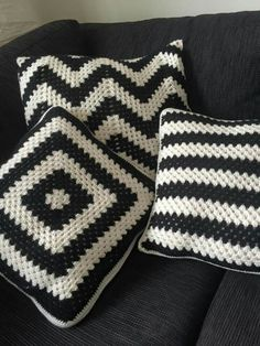 Crocheted pillows - Home - Crochet Butterfly Pattern, Crochet Pillow Patterns Free, Granny Square Crochet Pattern, Crochet Stitches Patterns, Crochet Motif, Crochet Sweater Design, Crochet Designs, Crochet Cushion Cover, Crochet Cushions