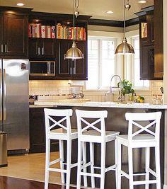 kitchen cookbook storage above cabinets Above Kitchen Cabinets, Open Cabinets, Kitchen Redo, New Kitchen, Kitchen Design, Dark Cabinets, Kitchen Ideas, Kitchen Inspiration, Stylish Kitchen