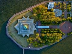 New York's most famous monument is just a green blob on a striking slab of geometry