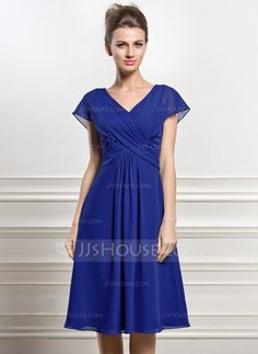 A-Line/Princess V-neck Knee-Length Chiffon Mother of the Bride Dress With Ruffle (008056830)