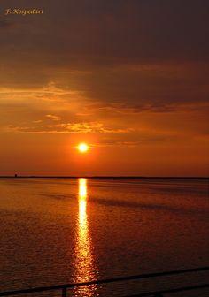 Ηλιοβασίλεμα στη Γύρα. 03/07/2015 Moon Rise, Sun Sets, Moonlight, Greece, Reflection, Amazing, Outdoor, Greece Country, Outdoors
