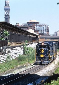 B&O 4040 plus at least one other, exiting the Howard Street Tunnel in Baltimore, MD in May of Baltimore And Ohio Railroad, System Map, High Iron, Railroad Photography, Train Pictures, Rolling Stock, Locomotive, East Coast, The Past