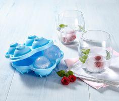6,99 € So kann man auch außergewöhnliche Eiswürfel selber machen – oder besser gesagt: Eiskugeln. In dem XL-Eiswürfelbereiter entstehen vier Eiswürfel in Kugelform mit einem Durchmesser von fünf Zentimetern!