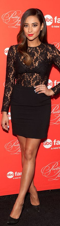 Shay Mitchell at the Pretty Little Liars finale.